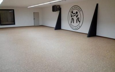 Umnutzung Kaufhalle zu Boxclub in Deersheim