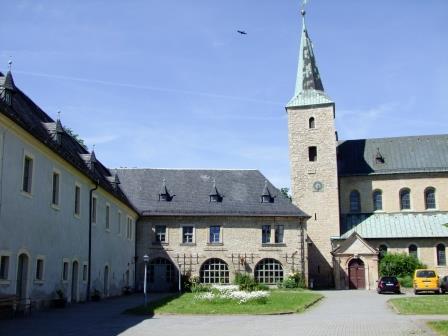 """Kloster Huysburg – Aufzugsanbau zur barrierefreien Erschließung am Gästehausflügel """"Abt Nikolaus"""""""
