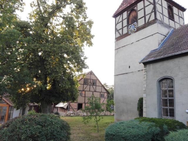 Restaurierung und Modernisierung ehem. Pfarrhaus Hoppenstedt, hier Fenster, Türen und Dach